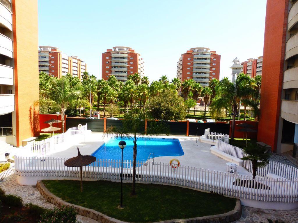 Vivir en jardines de h rcules calidades y tranquilidad en sevilla luxeplace inmobiliaria - Jardines de hercules sevilla ...